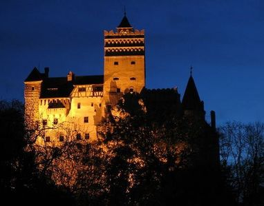 Photo for Beautiful year-round villa/ski chalet facing Bran Castle and the Bear Forest