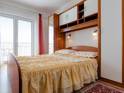 Photo for One bedroom apartment with balcony and sea view Lokva Rogoznica (Omiš) (A-16429-c)