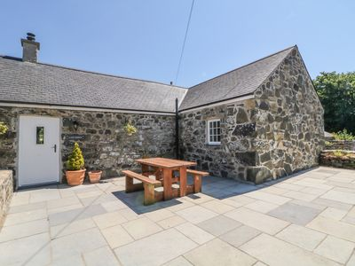 Photo for LLAIN FEDREN, pet friendly, with open fire in Dinas, Ref 984545