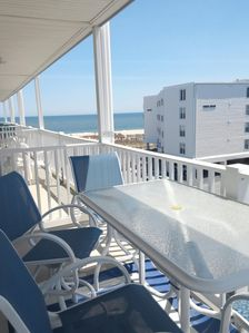 Photo for Vacation Getaway, Cozy And Close To Beach With Views Of Ocean And Bay Sunsets