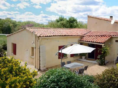 Photo for Warm cottage in the heart of the Luberon area