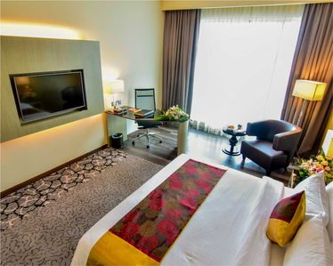 Photo for Deluxe Room With Free Breakfast For 02
