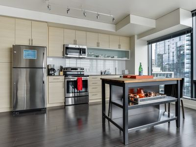 Photo for Ultra-Modern 1Bed w/ Amazing Views