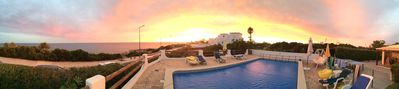 Photo for Villa AL BAHR Luxury, Ocean view, Air conditioning, Free WIFI, (heated) pool