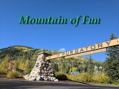 Condo  sleeps 4 at a budget price. Only 150 yards from 6 person chairlift!