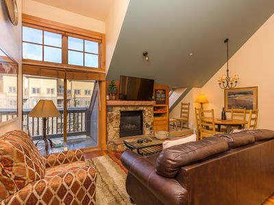 Photo for Overlooks Hot Tub & Pool, Master Suite w/King, Updated Kitchen, Free WIFI
