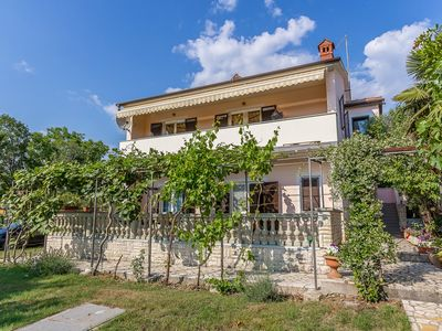 Photo for Holiday apartment Medulin for 1 - 7 persons with 3 bedrooms - Holiday apartment