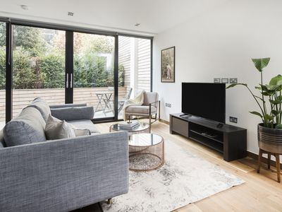 Photo for Charming 3BR in King's Cross by Sonder