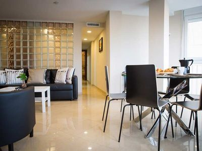 Photo for Spacious 3 bedroom apartment with views of the Guadalmedina river in Málaga