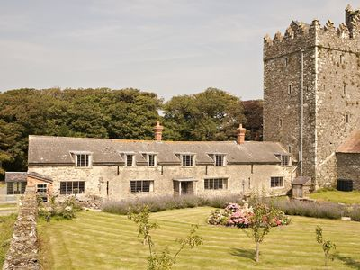 Norman Castle Cottages Beautifully Renovated