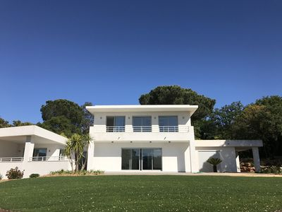 Photo for CONTEMPORARY VILLA AT 12 KMS FROM SAINT-TROPEZ
