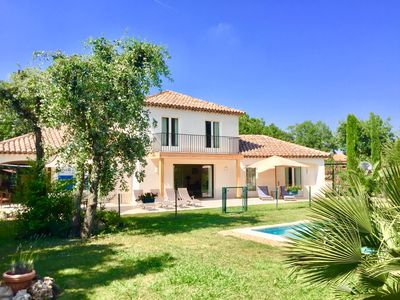 Photo for Discount -10% Beautiful villa with heated pool and garden