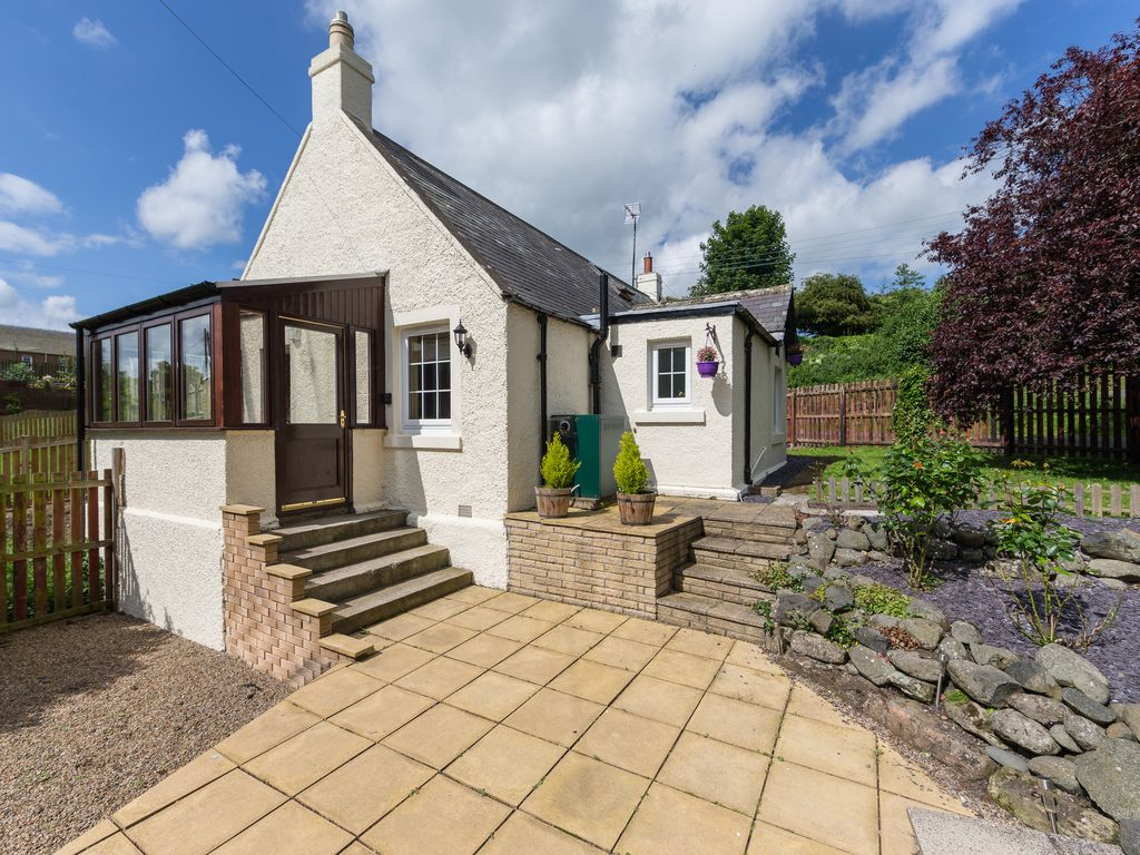 Tweed cottage pet friendly in cornhill on homeaway - Pet friendly cottages with swimming pool ...