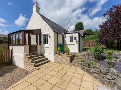 Photo for Tweed Cottage, CORNHILL-ON-TWEED
