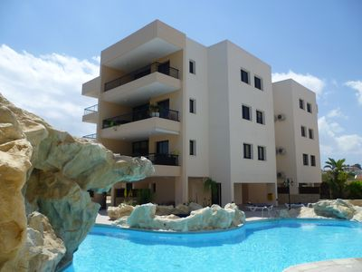 Photo for Holiday apartment with large communal pool, free air-conditioning and free wifi