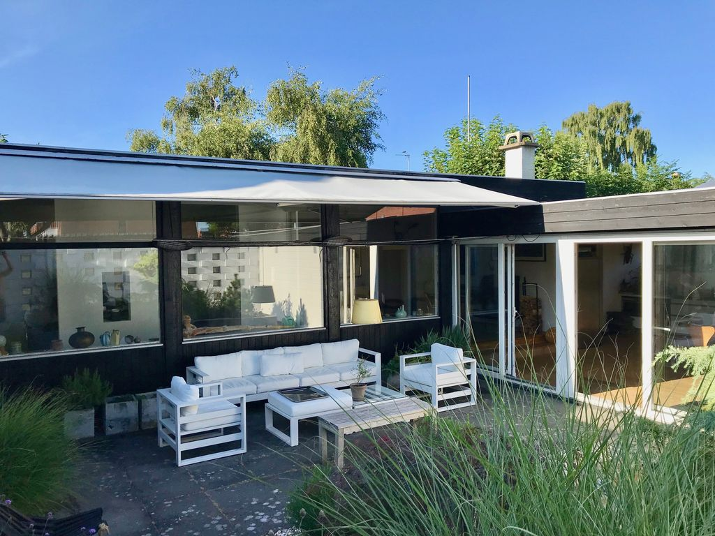 Danish Mid Century Modern Architecture House 1959 By The Beach In Copenhagen
