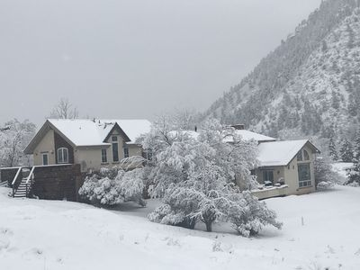 Photo for Comfortable 1-or -2 bedroom Romantic King En Suites near Aspen