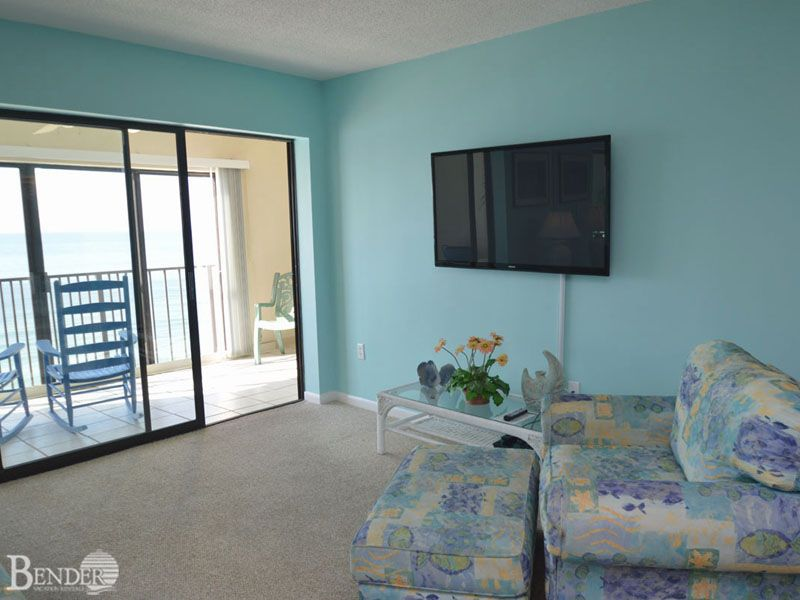 Master bedroom access to balcony bender vacation rentals for 9 bedroom vacation rentals
