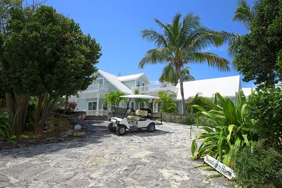 Sweet Corn House with pool, close to town and beach, golf cart included!
