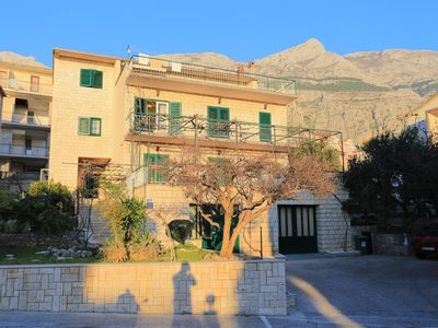 Photo for Studio flat with balcony and sea view Makarska (AS-18028-a)
