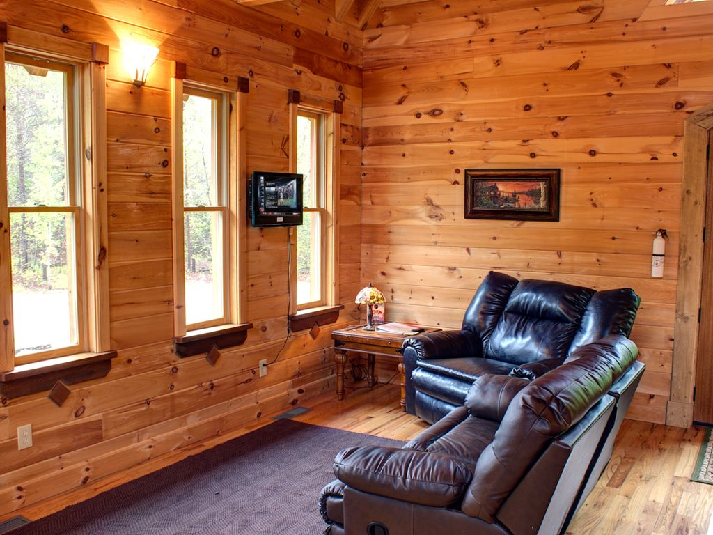 cabins rentals luxury in military discount friendly chtthoochee town pet helen cabin ga georgia rentl