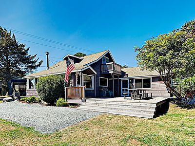 "Photo for New Listing! ""Shoreside at Rockaway Beach"" - Private Deck & Outdoor Fireplace"