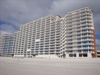 Lighthouse Condominiums --Beach Side!