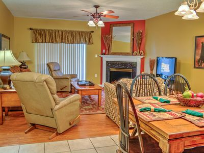 Photo for Pigeon Forge Rental•Free Tkts• Sleeps 6• Next To Island• Free Dinner