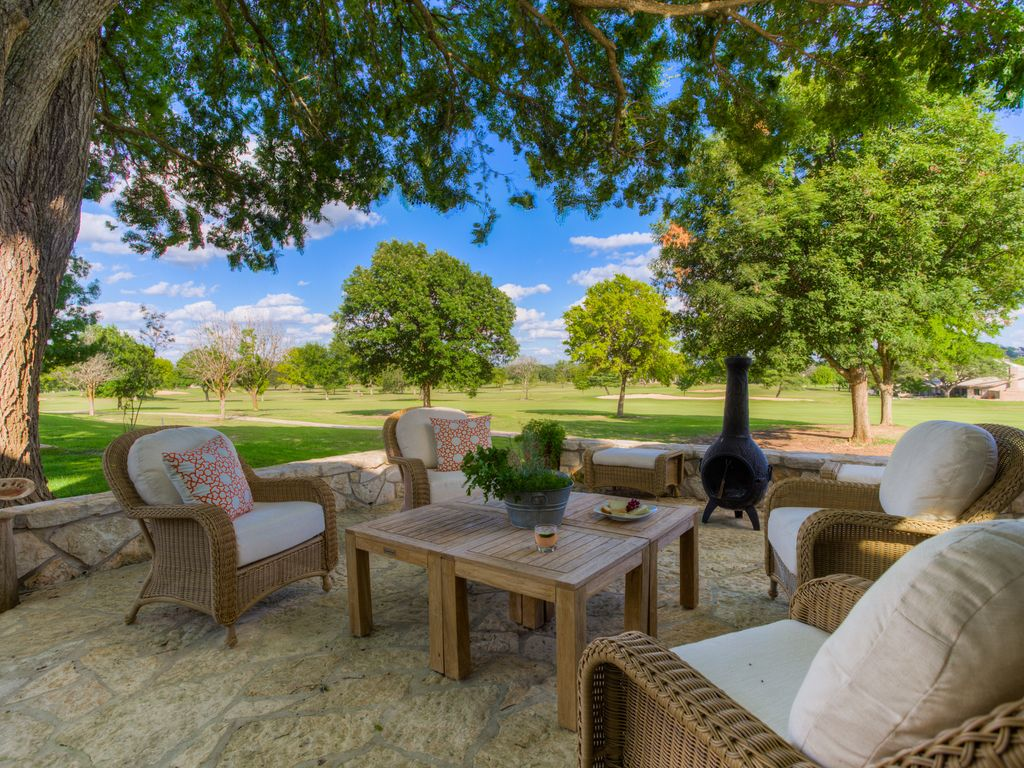 Beautiful Hill Country House On 18th Fairway