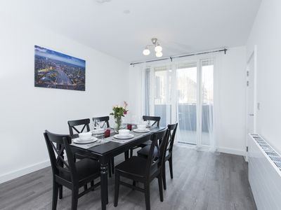 Photo for Stunning Modern 5BR house in Olympic East London