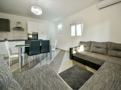 Photo for Beautiful apartment for 6 people with WIFI, A/C, TV and parking