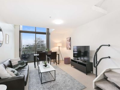 Photo for Spacious 1BR CBD Apartment in Unrivalled Location next to Darling Harbour