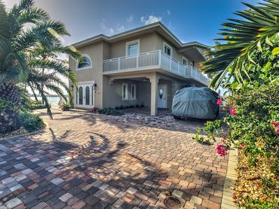 Photo for Beautiful Half duplex on the open water with dockage, pool, and tiki!