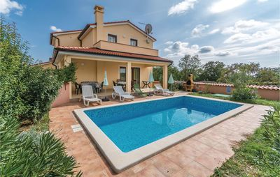Photo for 4 bedroom accommodation in Krvavici
