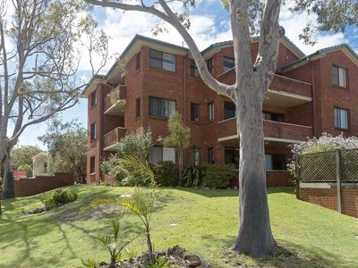 Photo for 15 'Amanda Court', 1 Weatherly Close - so close to Little Beach