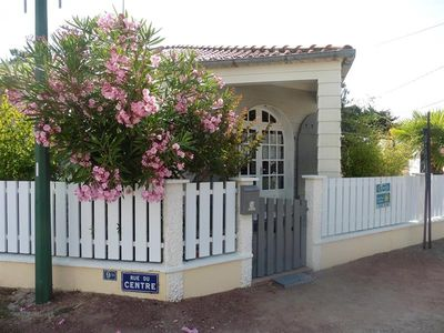 Photo for HOUSE BUNGALOW LOCATED CLOSE TO SHOPS AND THE BEACH
