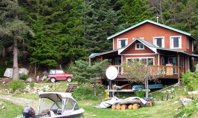 Photo for Cozy Cove Cottage - Peaceful, secluded, private beach, BBQ, washer/dryer