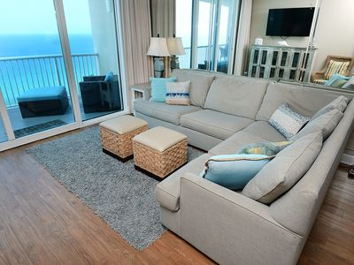 Photo for Bright, open condo, 2 beach chairs included, Minutes to entertainment
