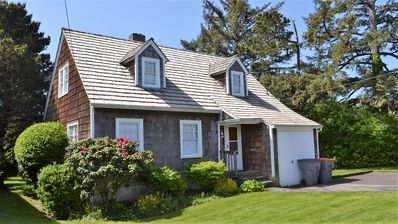 Groovy 3Br House Vacation Rental In Seaside Oregon 2172856 Home Interior And Landscaping Spoatsignezvosmurscom