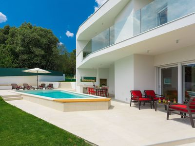 Photo for This 2-bedroom villa for up to 4 guests is located in Porec and has a private swimming pool, air-con