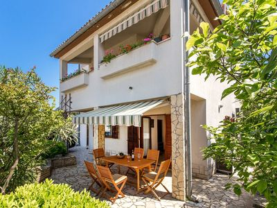 Photo for Holiday apartment Banjole for 1 - 6 persons with 2 bedrooms - Holiday apartment