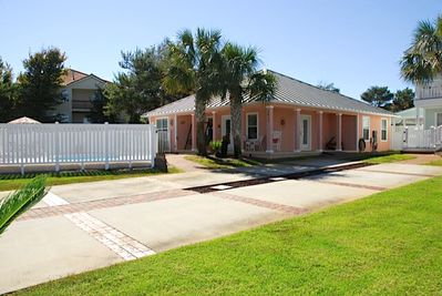 Welcome to Coral Cabana 3673 Scenic Highway 98