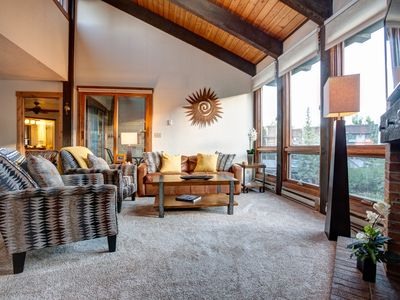 Photo for Modern Top Floor Condo-Close to Resort Summer Hike/Bike Trails w/Pool & Hot Tubs