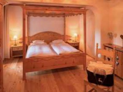 Photo for Apartment with four-poster bed II - Hotel Lärchenhof nature