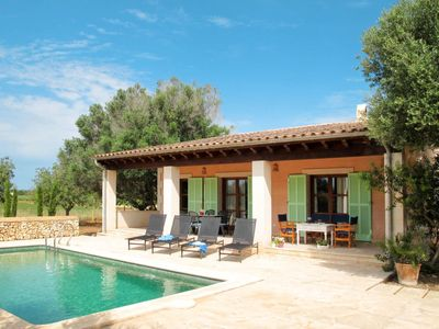 Photo for 3 bedroom Villa, sleeps 6 in Porreres with Pool, Air Con and WiFi