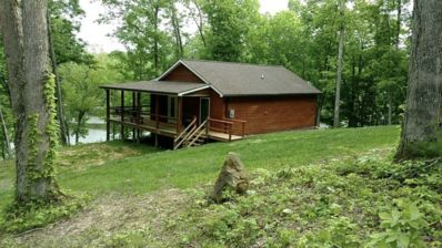 Photo for Cozy Lakefront cabin on Rough River Lake