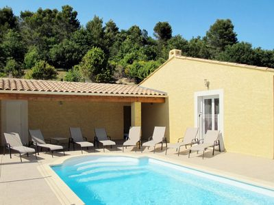 Photo for 4 bedroom Villa, sleeps 8 in Valréas with Pool and Air Con