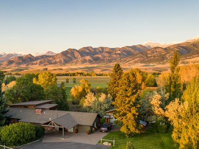 3 miles from Downtown Bozeman with Spectacular Mountain Views