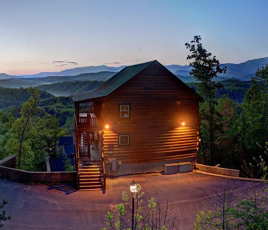 Skyveiw rentals magical moose 7br free wi vrbo for Moose creek cabins pigeon forge tn