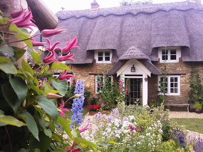 Photo for Charming Thatched Cottage & Garden Near Rutland Water/Uppingham & Stamford